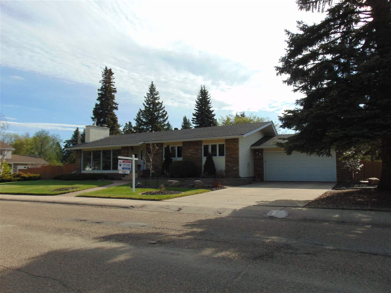 MLS® listing #E4160082 for sale located at 8707 140 Street