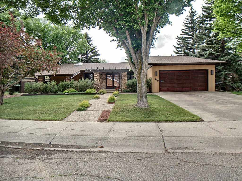 MLS® listing #E4161456 for sale located at 439 Lessard Drive