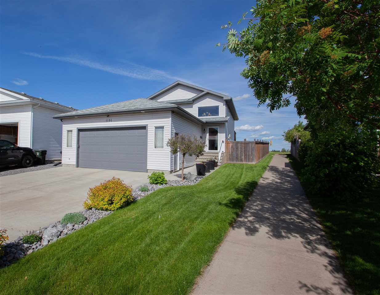 MLS® listing #E4161457 for sale located at 1191 OAKLAND Drive