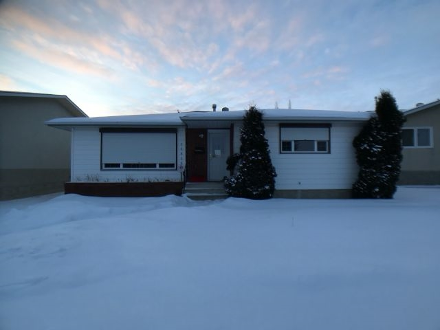 MLS® listing #E4161463 for sale located at 11315 37 Avenue