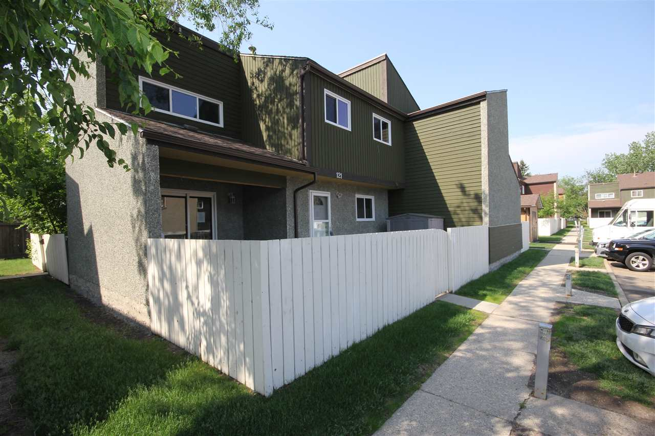 MLS® listing #E4161838 for sale located at 121 KASKITAYO Court