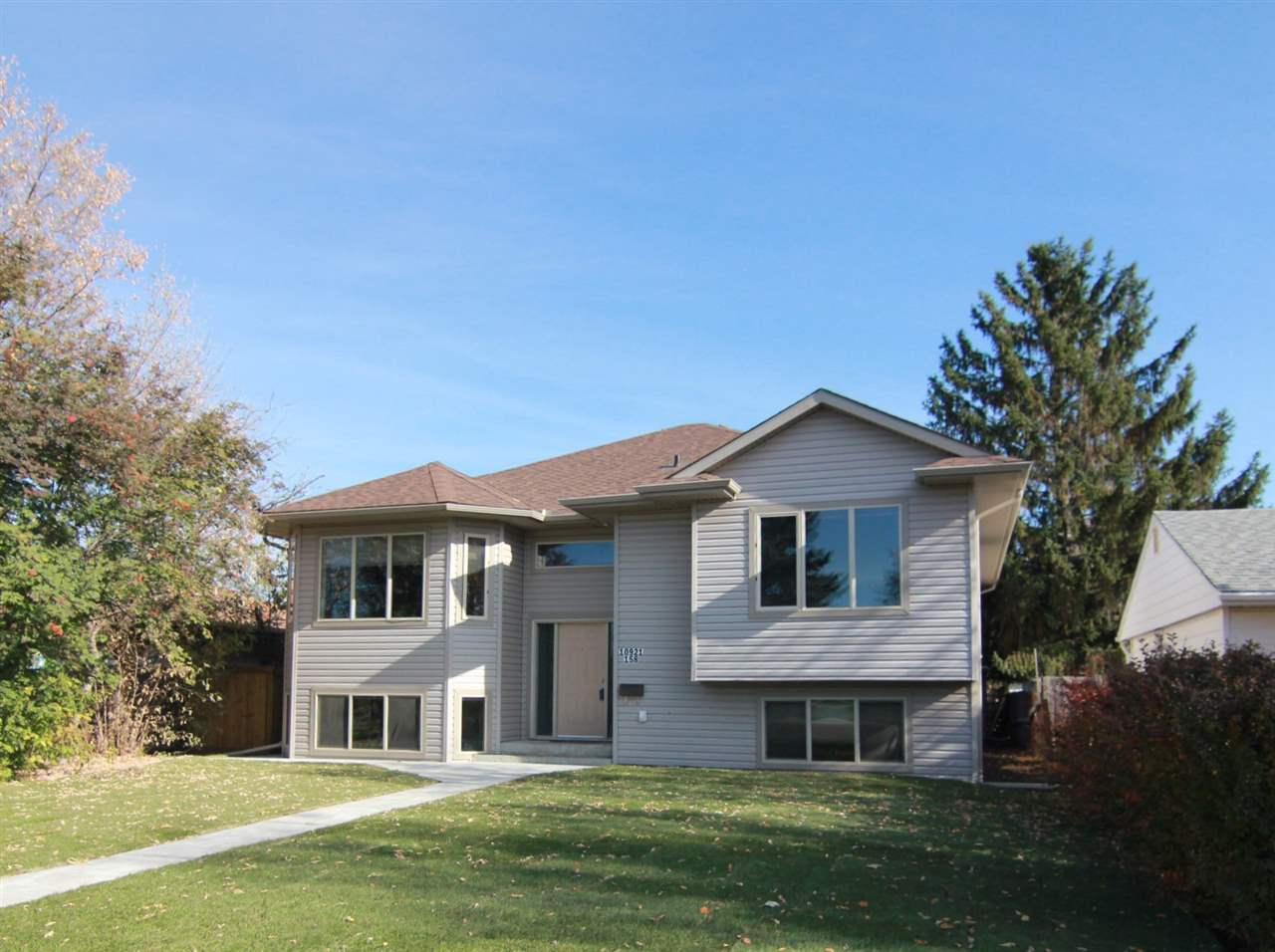 MLS® listing #E4162360 for sale located at 10921 158 Street