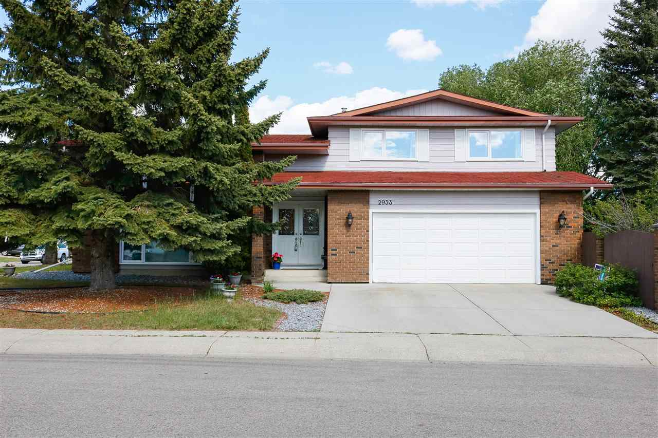MLS® listing #E4162452 for sale located at 2933 111B Street
