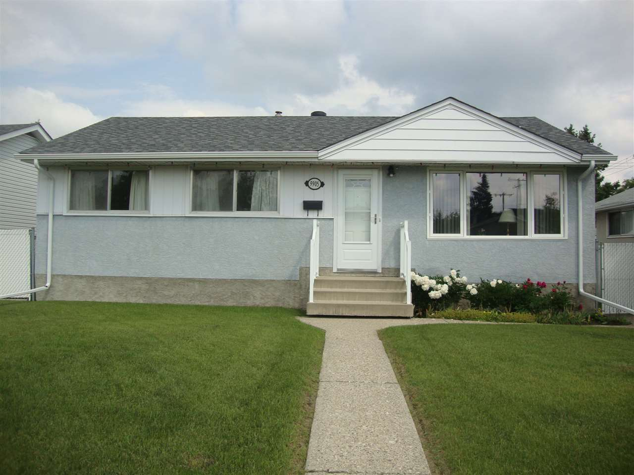 MLS® listing #E4162843 for sale located at 9905 164 Street