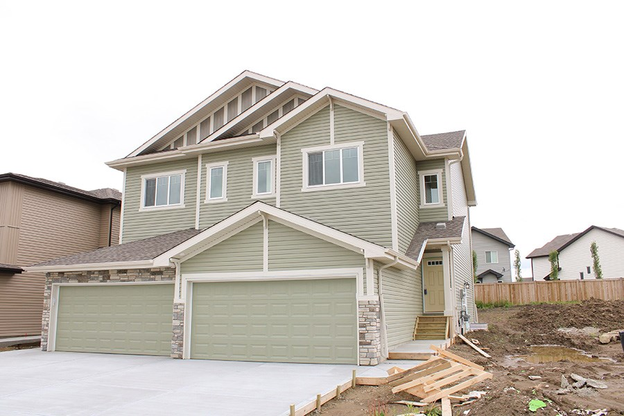 MLS® listing #E4163151 for sale