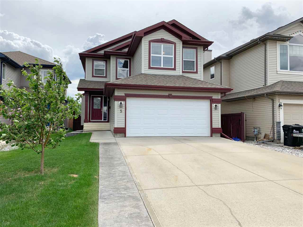 MLS® listing #E4163166 for sale located at 5 SUMMERCOURT Close