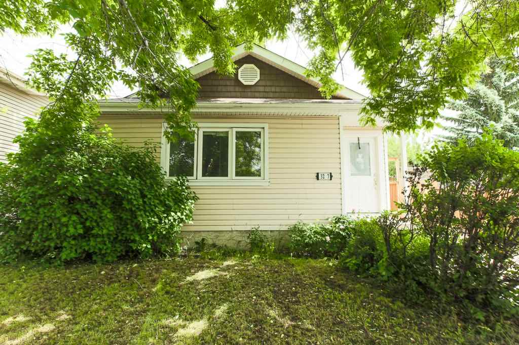 MLS® listing #E4163307 for sale located at 3207 47 Street