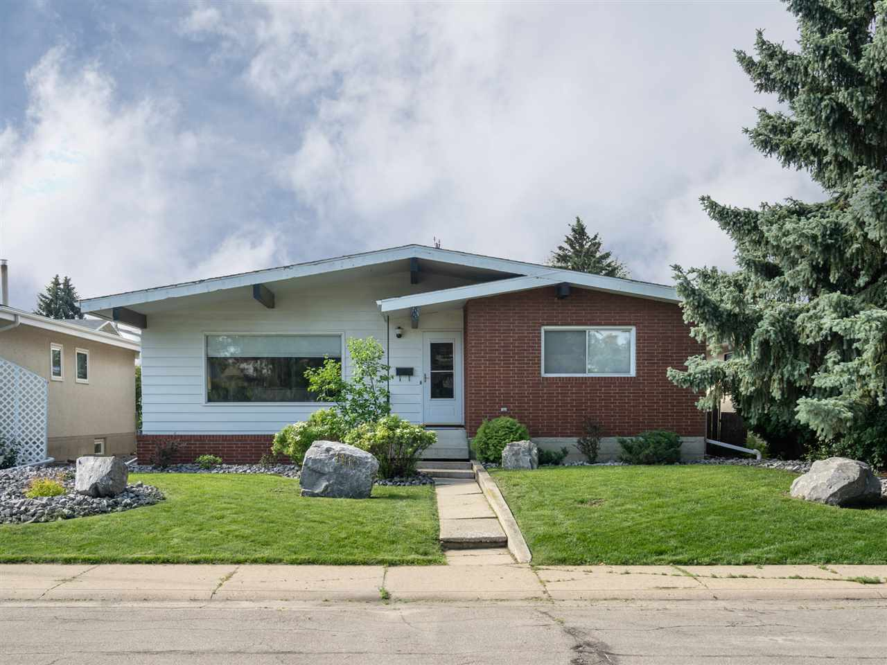 MLS® listing #E4163644 for sale located at 11111 36 Avenue