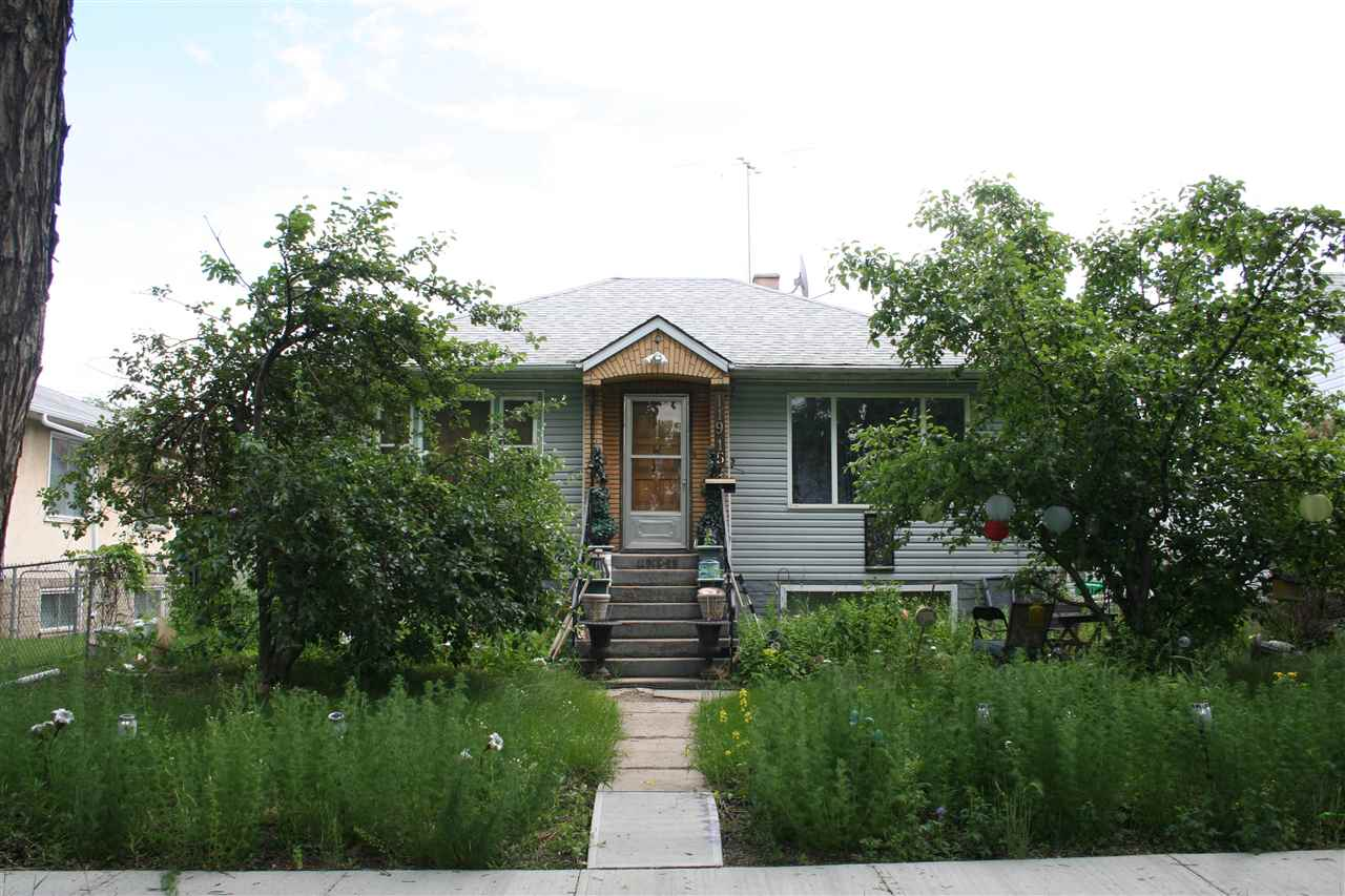 MLS® listing #E4163822 for sale located at 11915 69 Street