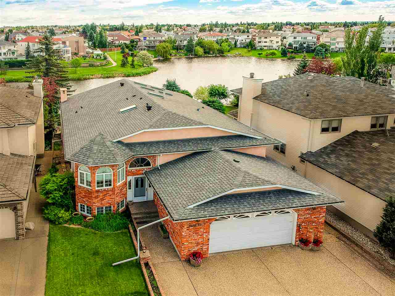 MLS® listing #E4163913 for sale located at 15711 77 Street