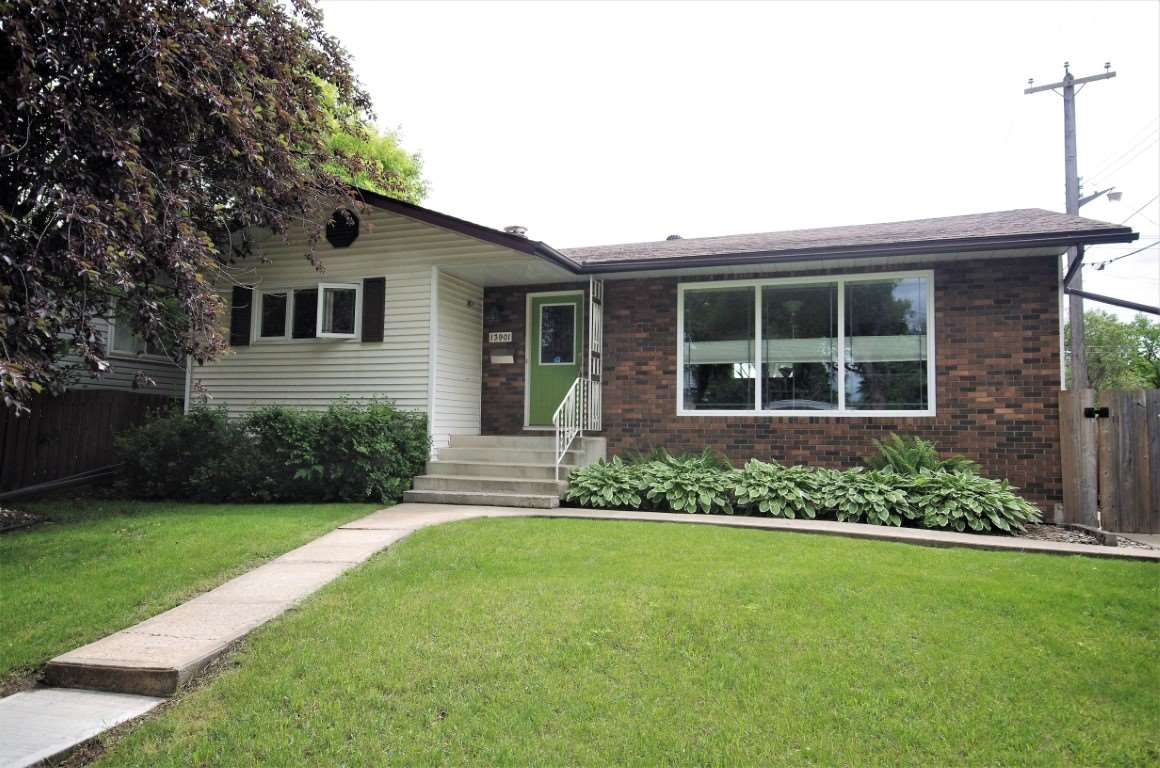 MLS® listing #E4164481 for sale located at 13901 107A Avenue NW