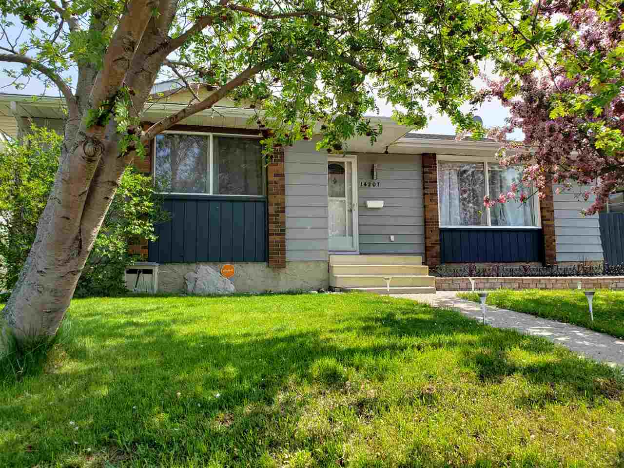 MLS® listing #E4164620 for sale located at 14207 116 Street