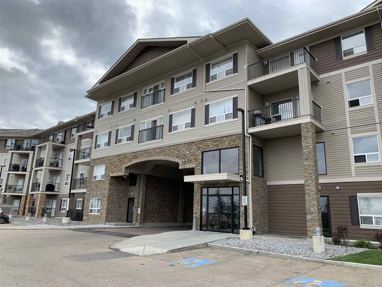 MLS® listing #E4164761 for sale located at 440 1520 HAMMOND Gate