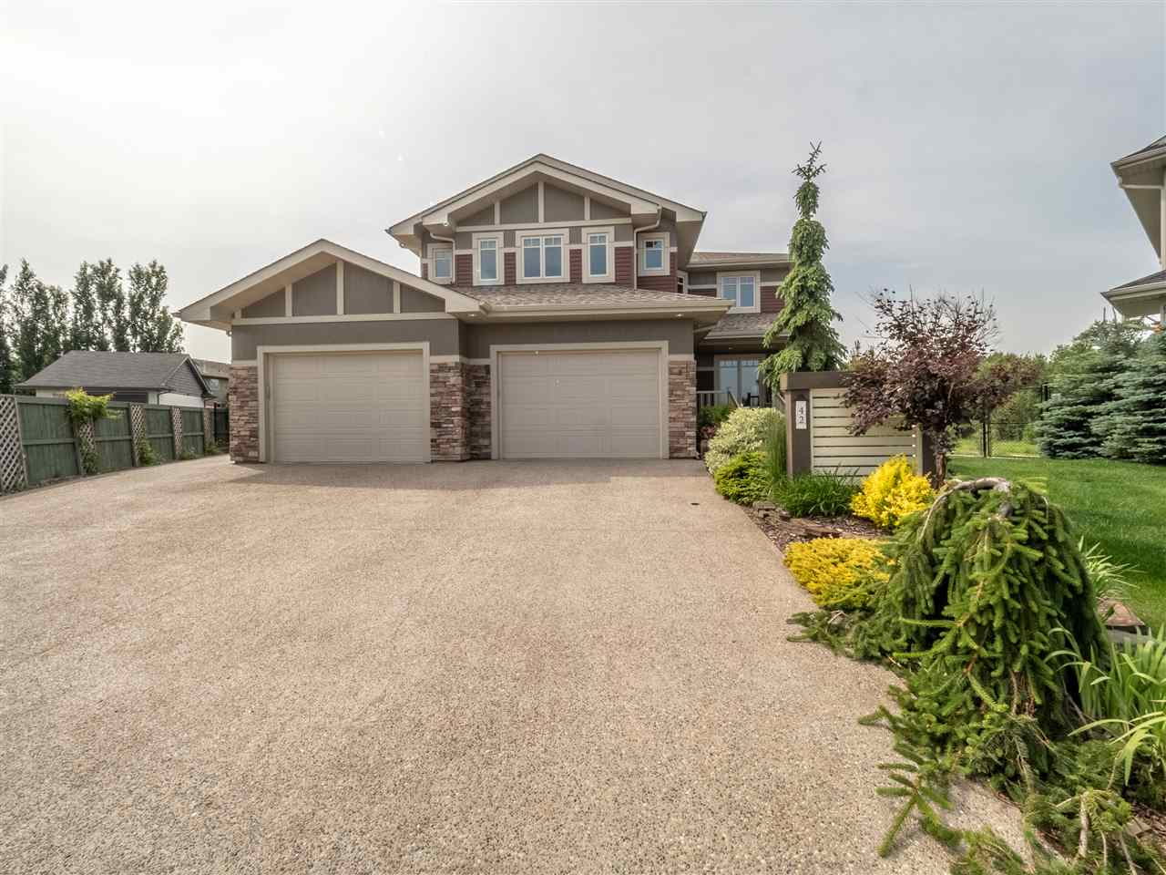 MLS® listing #E4165034 for sale located at 42 CREEKSIDE Drive