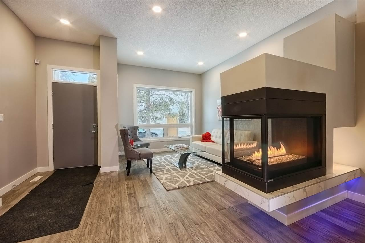 MLS® listing #E4165424 for sale located at 9925 147 Street