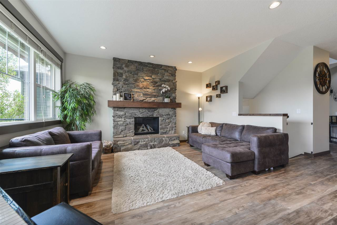 MLS® listing #E4165591 for sale located at 15827 11 Avenue
