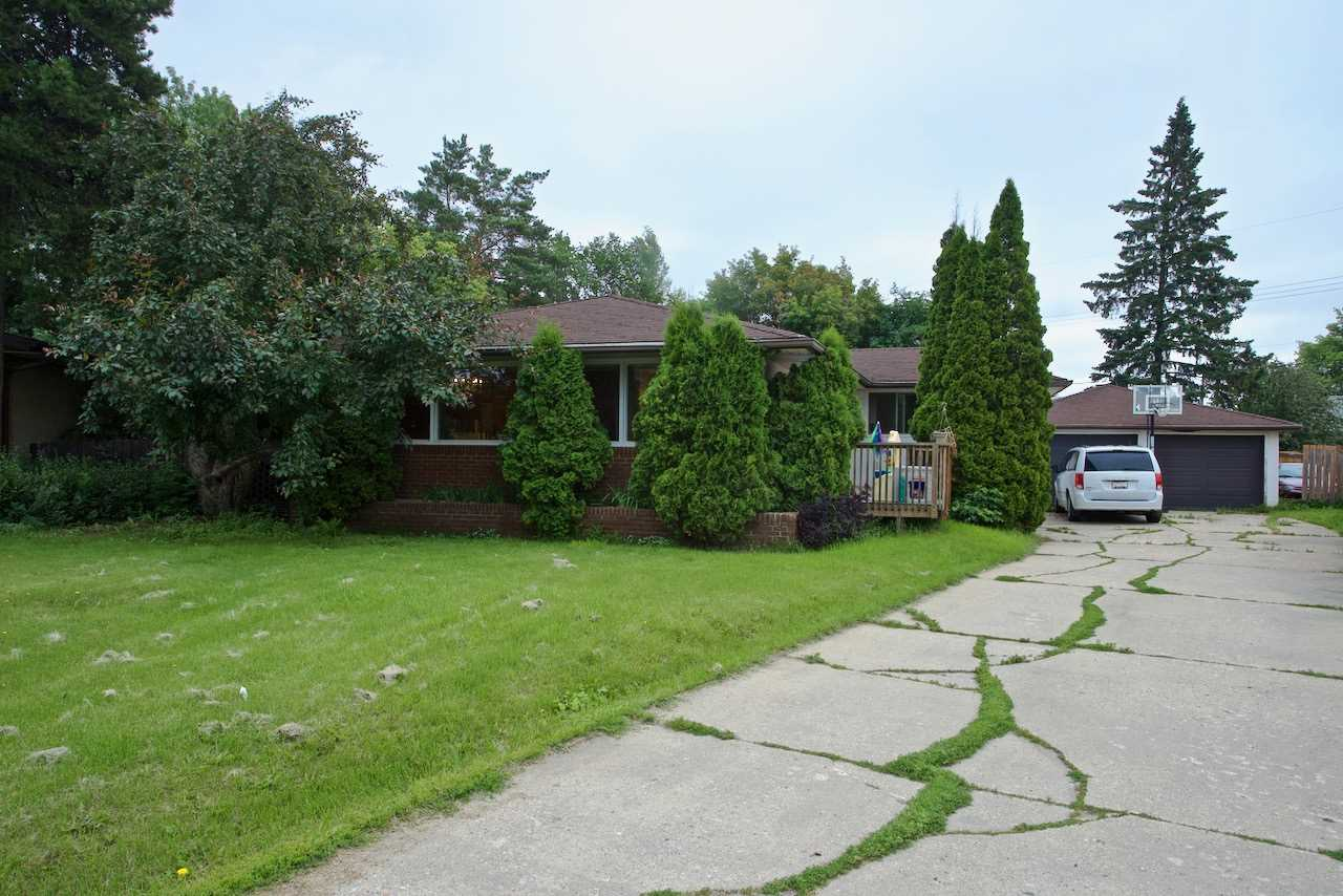 MLS® listing #E4165713 for sale located at 10623 42 Street