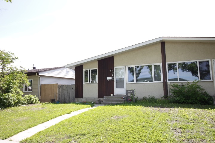 MLS® listing #E4165734 for sale located at 9905A 99 Avenue