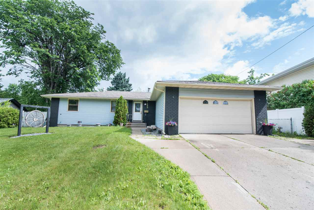MLS® listing #E4165852 for sale located at 189 COTTONWOOD Avenue