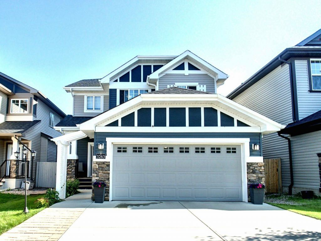MLS® listing #E4165954 for sale located at 3263 Abbott Crescent