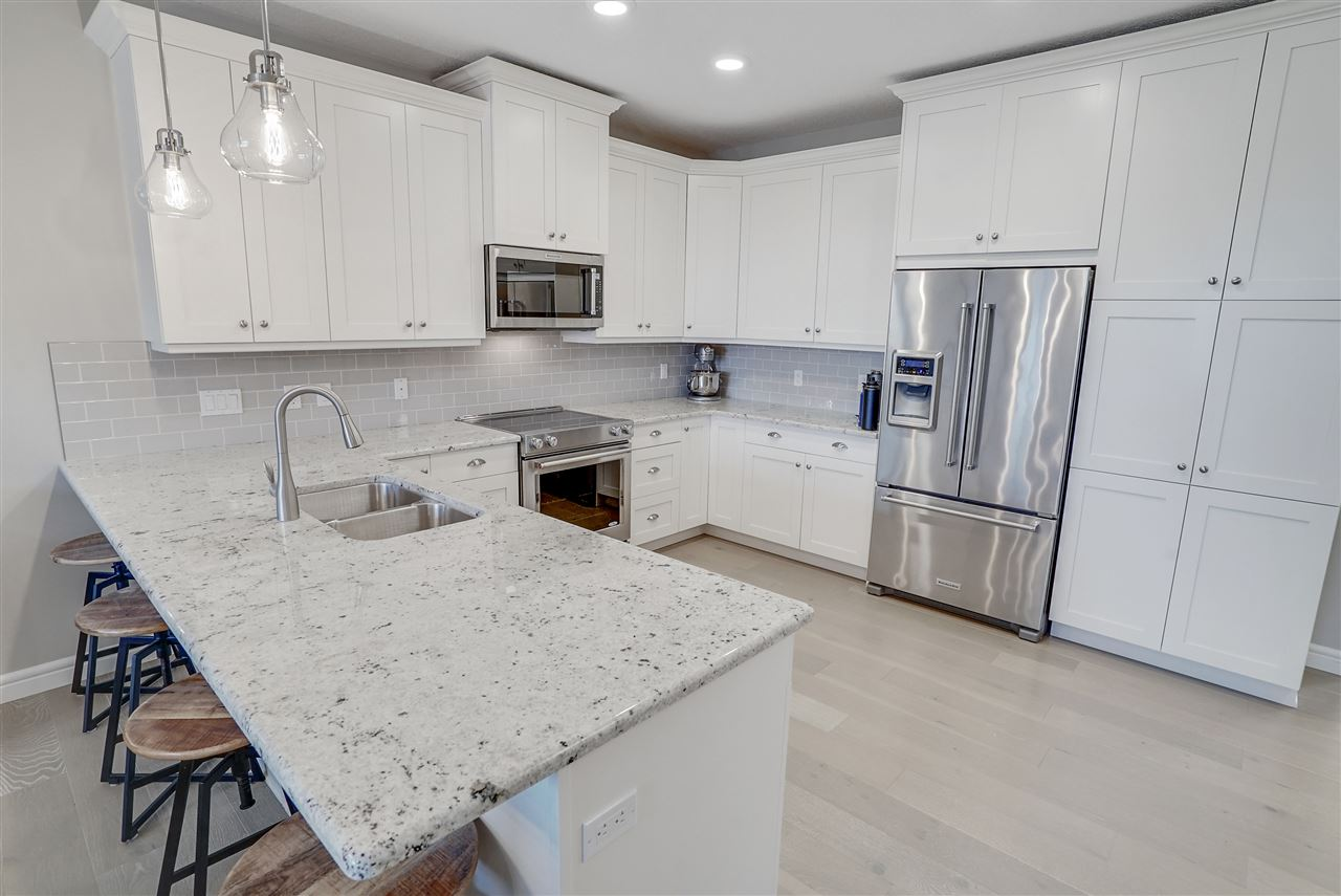 MLS® listing #E4166214 for sale located at 5 7115 ARMOUR Link