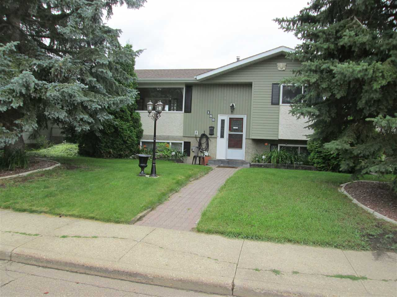 MLS® listing #E4166296 for sale located at 168 CLAREVIEW Road