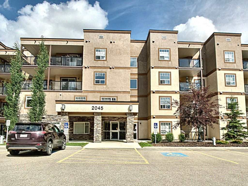 MLS® listing #E4166376 for sale located at 105 2045 Grantham Court