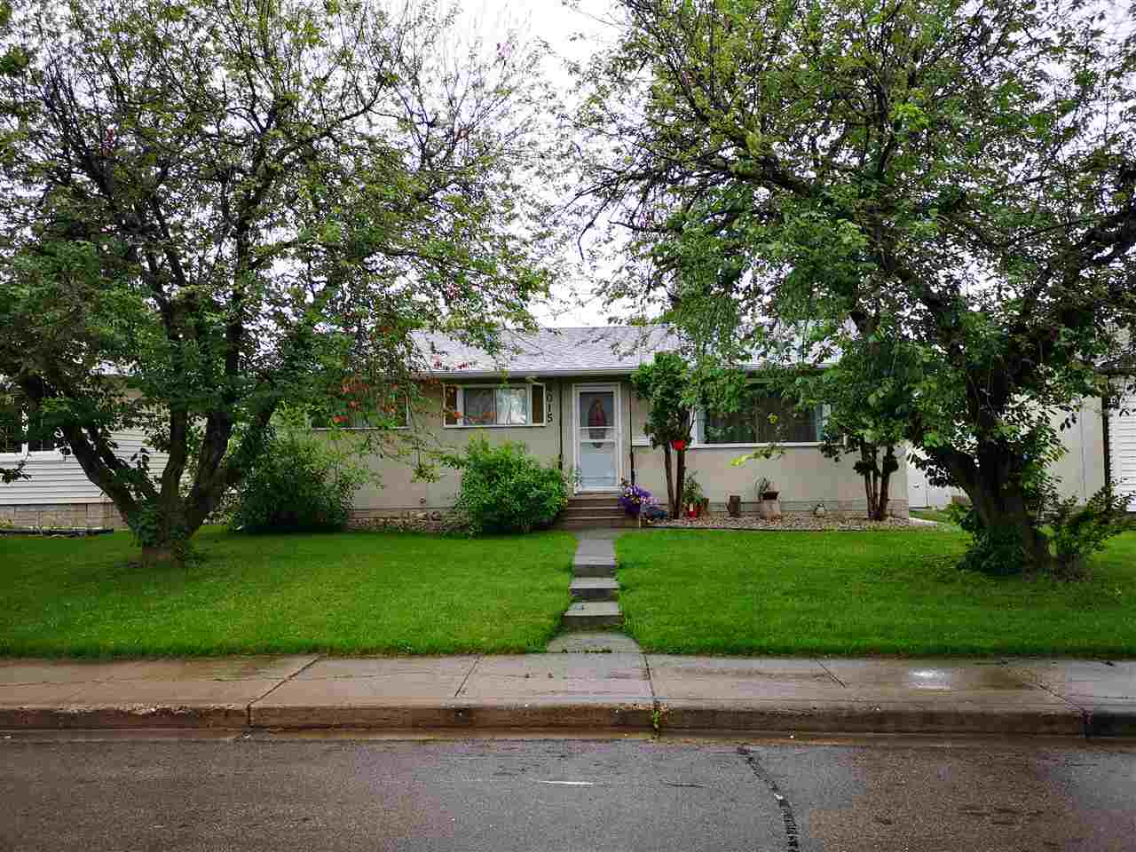 MLS® listing #E4166423 for sale located at 4015 114 Street