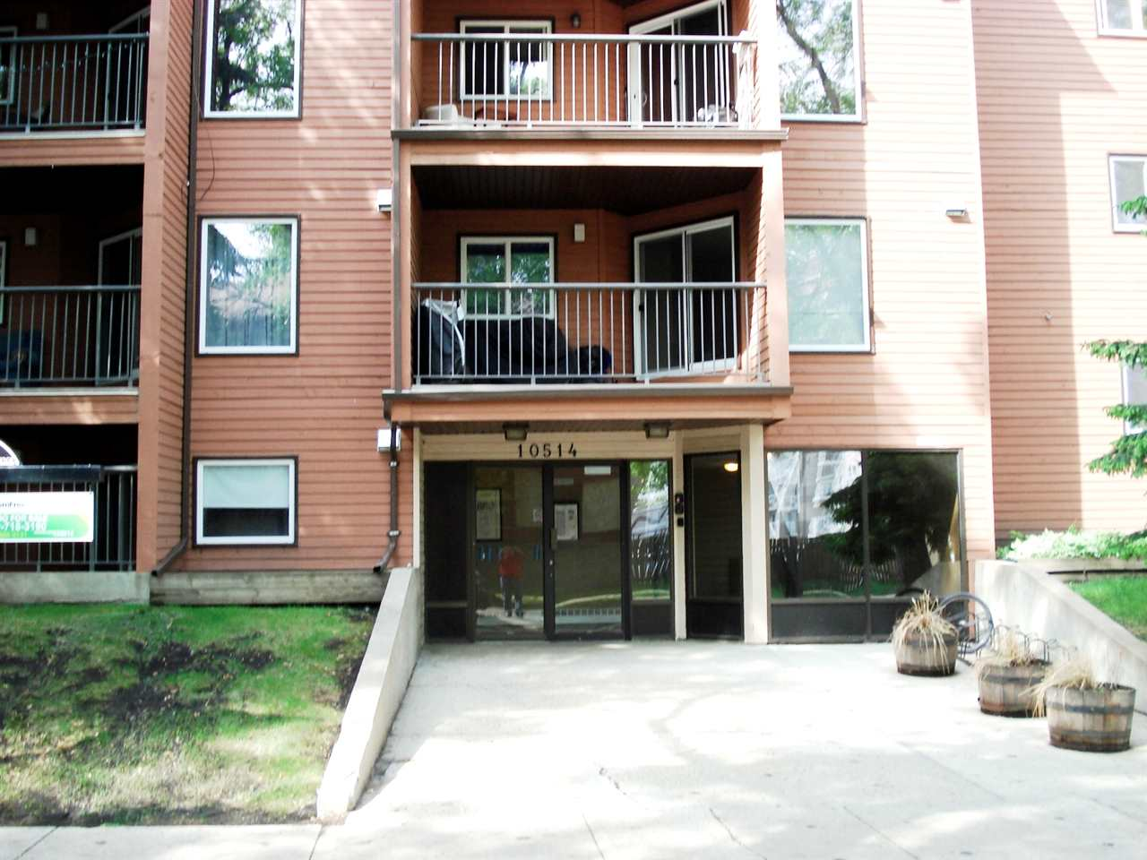 MLS® listing #E4166728 for sale located at 312 10514 92 Street