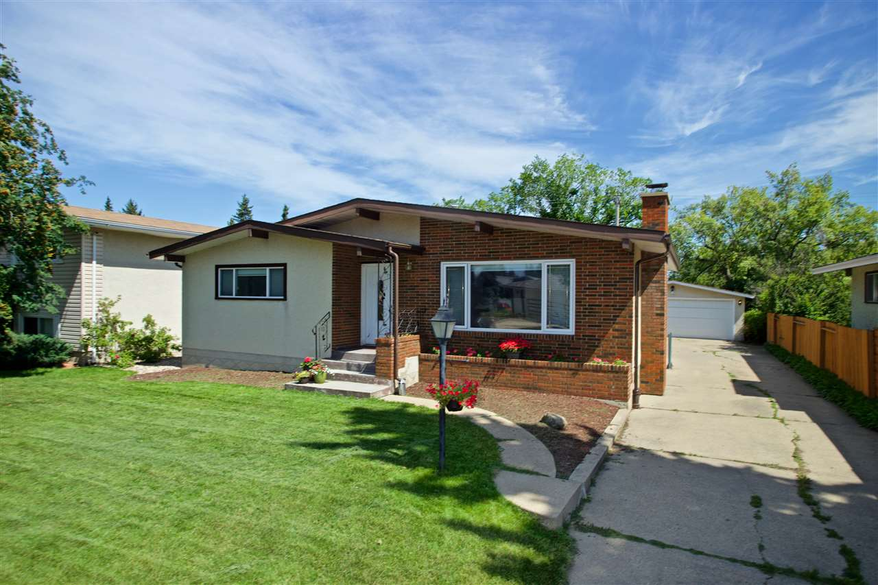MLS® listing #E4167055 for sale located at 3815 111A Street