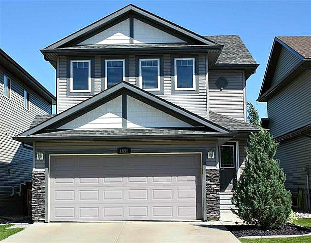 MLS® listing #E4167111 for sale located at 1099 FOXWOOD Crescent