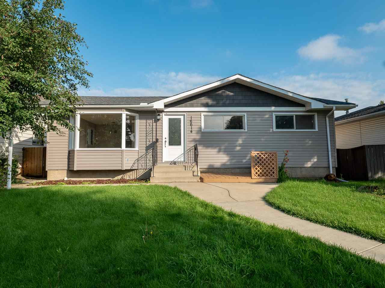 MLS® listing #E4167457 for sale located at 16614 92A Avenue