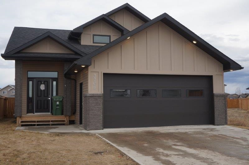 MLS® listing #E4167957 for sale located at 3708 47 Avenue