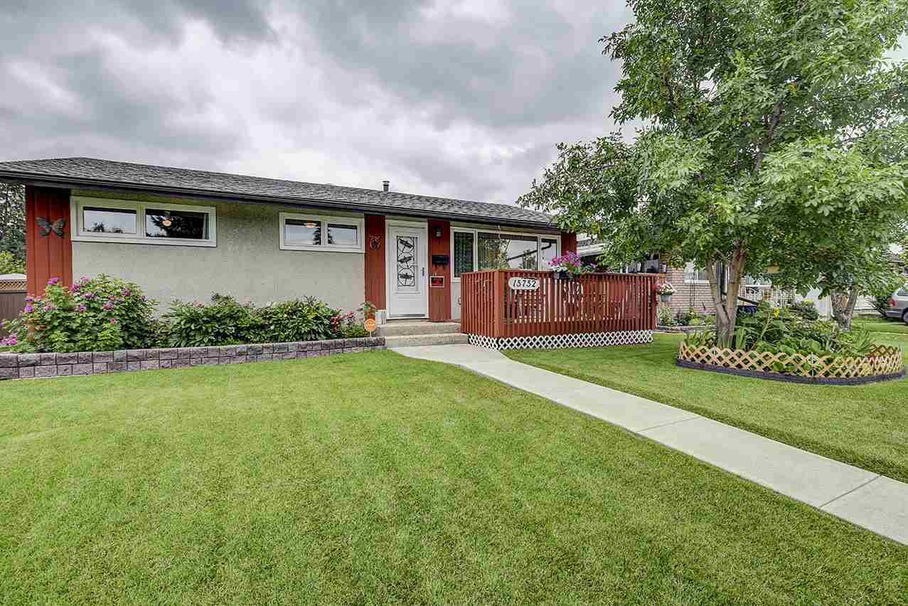 MLS® listing #E4168026 for sale located at 15752 107A Avenue