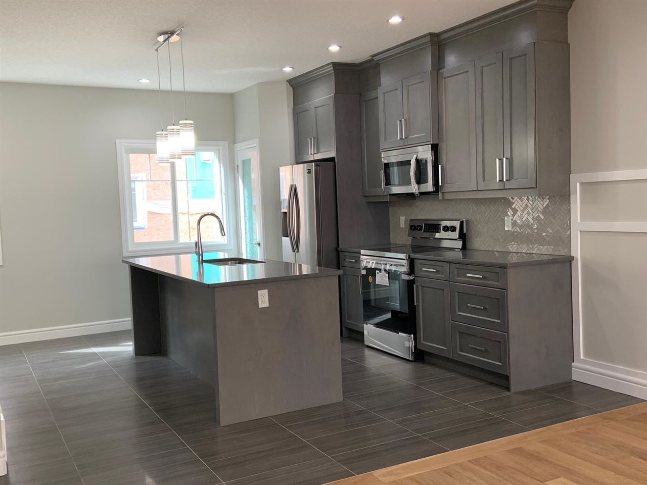 MLS® listing #E4168464 for sale located at #37 2803 14 Avenue