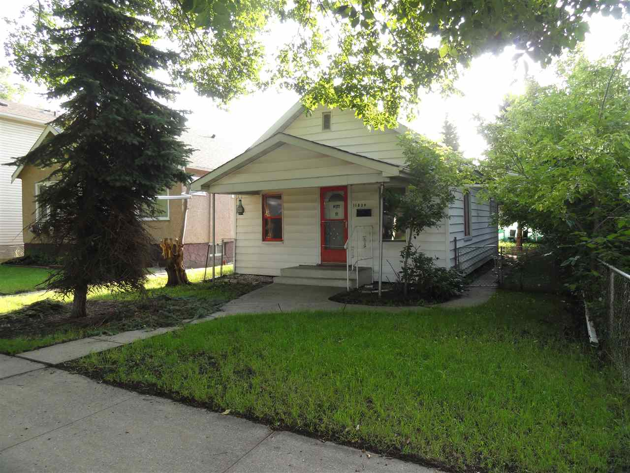 MLS® listing #E4169606 for sale located at 11839 95 Street