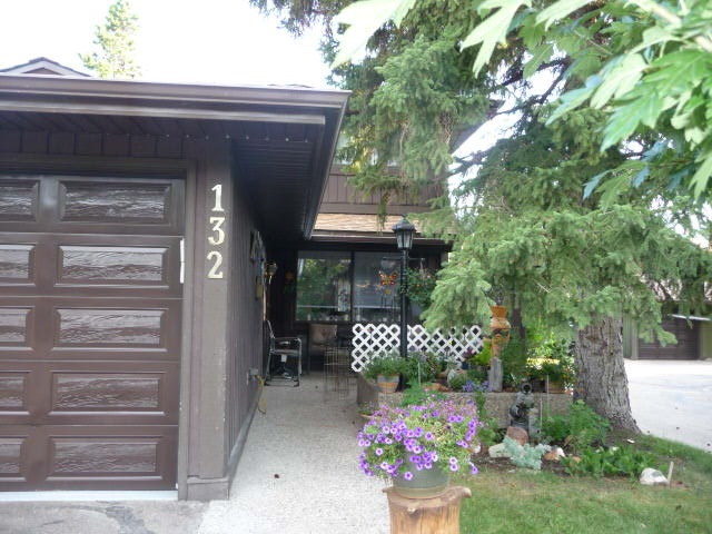 MLS® listing #E4170458 for sale located at 132 HEARTHSTONE