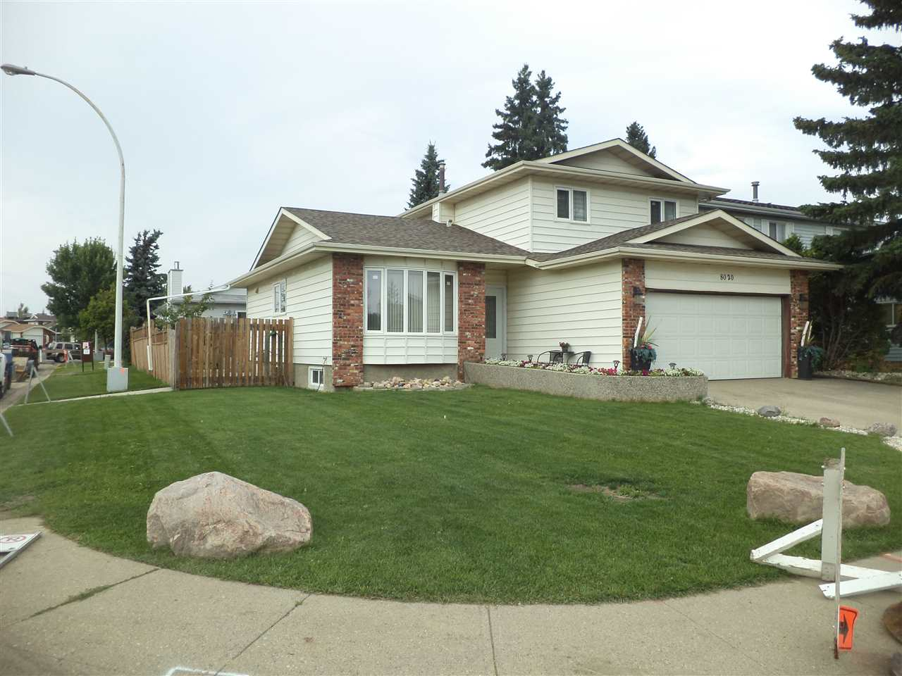 MLS® listing #E4170547 for sale located at 8020 157 Avenue