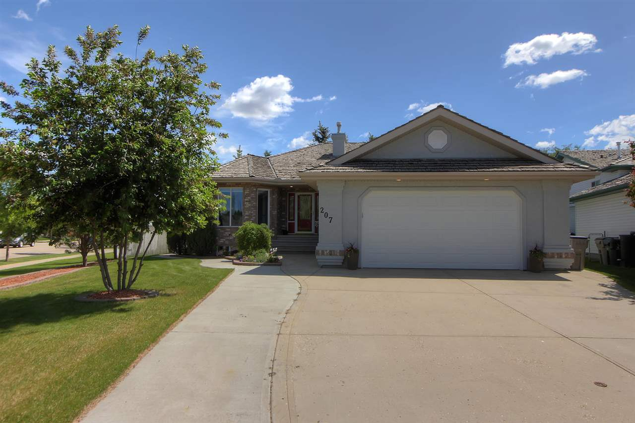 MLS® listing #E4170607 for sale located at 207 FAIRWAY Drive