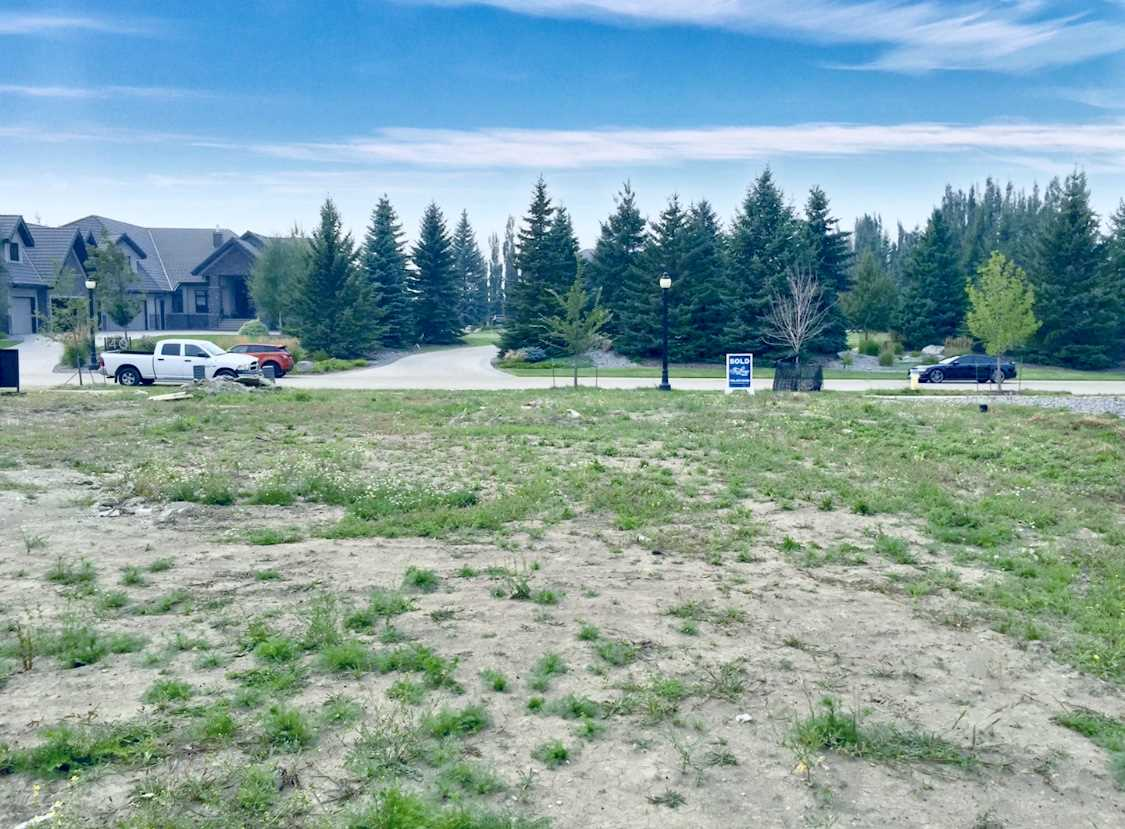 MLS® listing #E4170685 for sale located at 31 WINDERMERE Drive