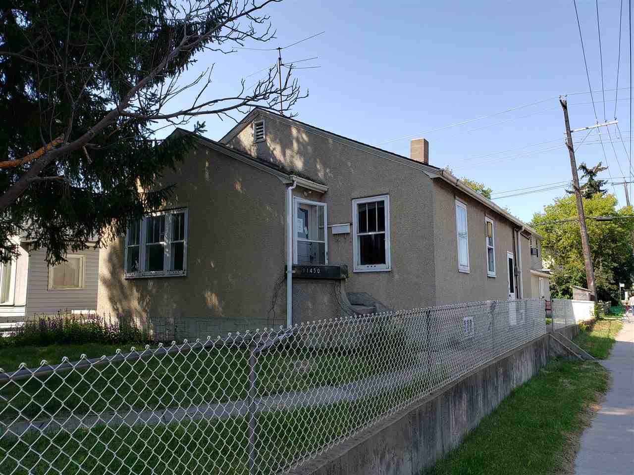 MLS® listing #E4170699 for sale located at 11450 84 Street