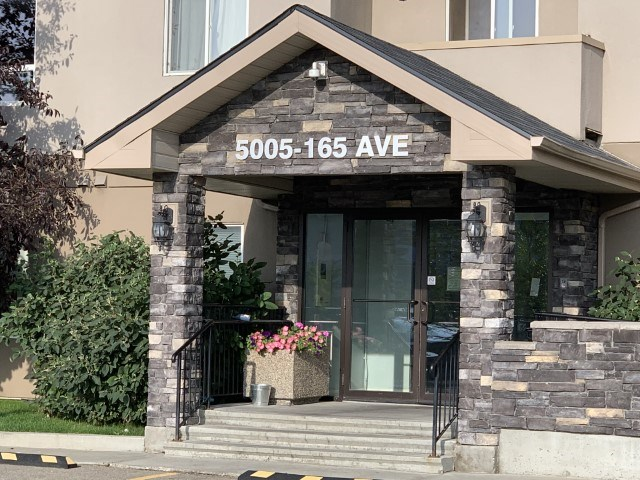 MLS® listing #E4170986 for sale located at 324 5005 165 Avenue
