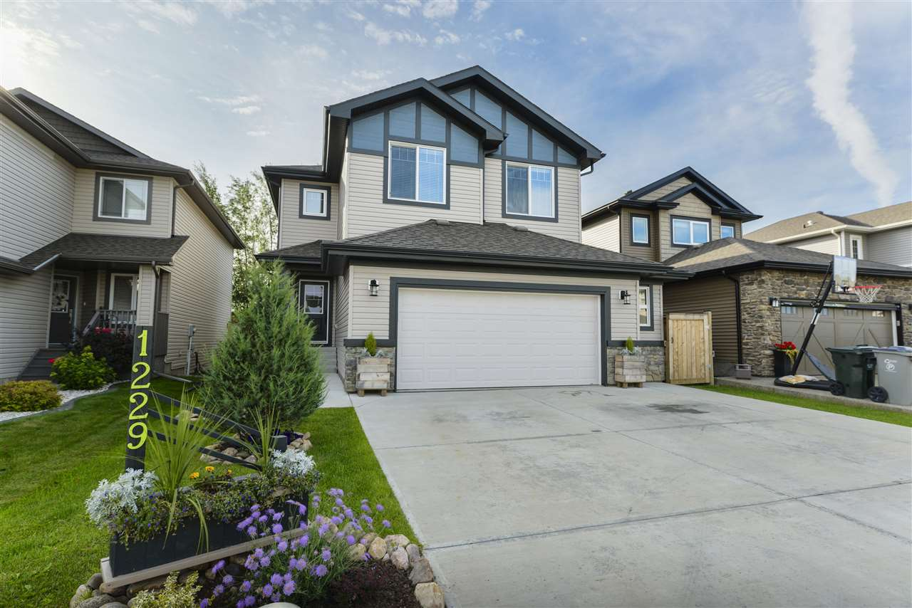 MLS® listing #E4171106 for sale located at 1229 WESTERRA Crescent