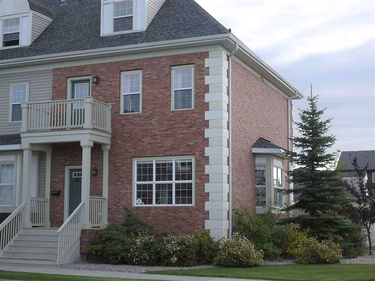 MLS® listing #E4172167 for sale located at 1 4367 Veterans Way NW