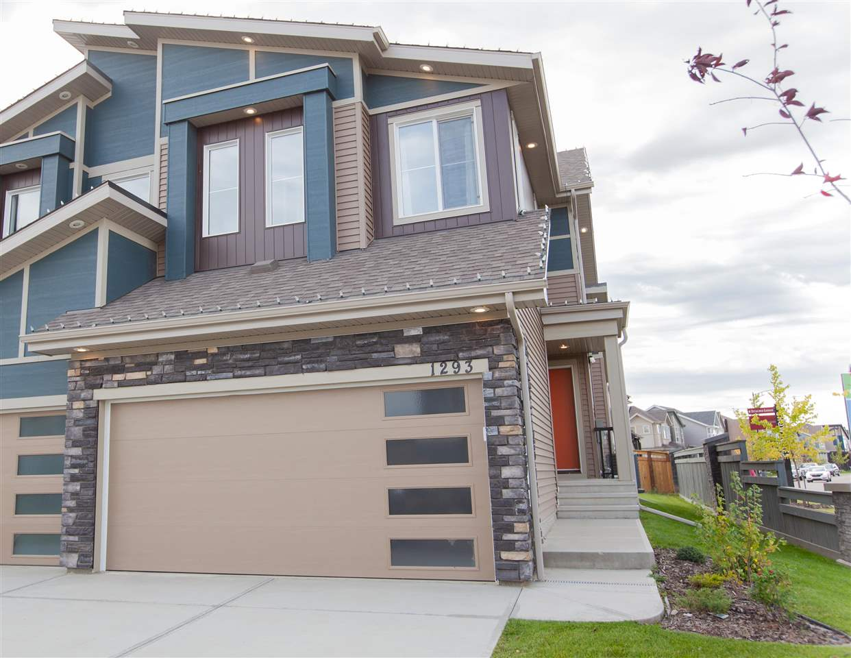 MLS® listing #E4172296 for sale located at 1293 DANIELS Crescent SW