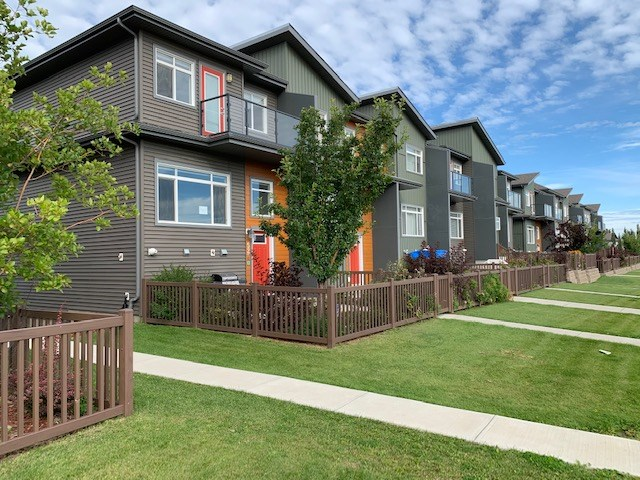 MLS® listing #E4172425 for sale located at 52 7503 GETTY Gate