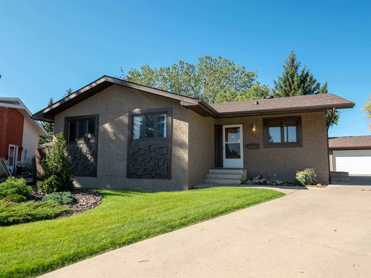 MLS® listing #E4172813 for sale located at 1320 72 Street NW
