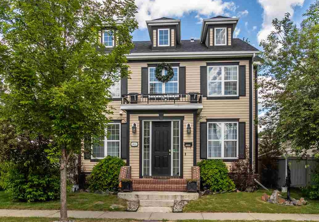 MLS® listing #E4173857 for sale located at 9924 145 Avenue
