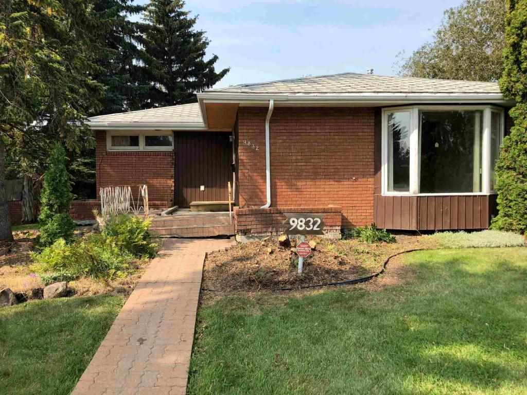 MLS® listing #E4173897 for sale located at 9832 142 Street