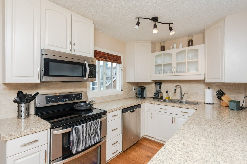 MLS® listing #E4174269 for sale located at 10776 31 Avenue